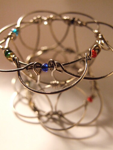 bracelet toy 2 curves