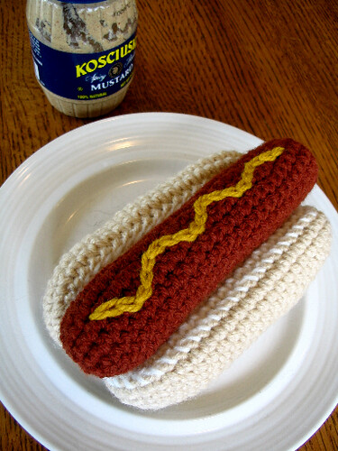 ROFL!  Naturally, I had to include the hot dog amigurumi!  ;)