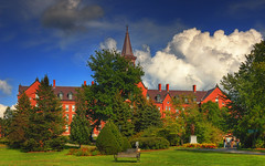 A Beautiful Afternoon at UVM - RAW (David Giral | davidgiralphoto.com) Tags: usa sun david beautiful clouds burlington nikon university vermont afternoon cloudy sunny d200 vt uvm landsape giral nikond200 18200mmf3556gvr copyrightdgiral davidgiral