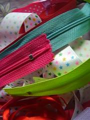 Cosaentretenida (Beln ) Tags: pink verde design colores celeste cintas fuccia littlestars cierres
