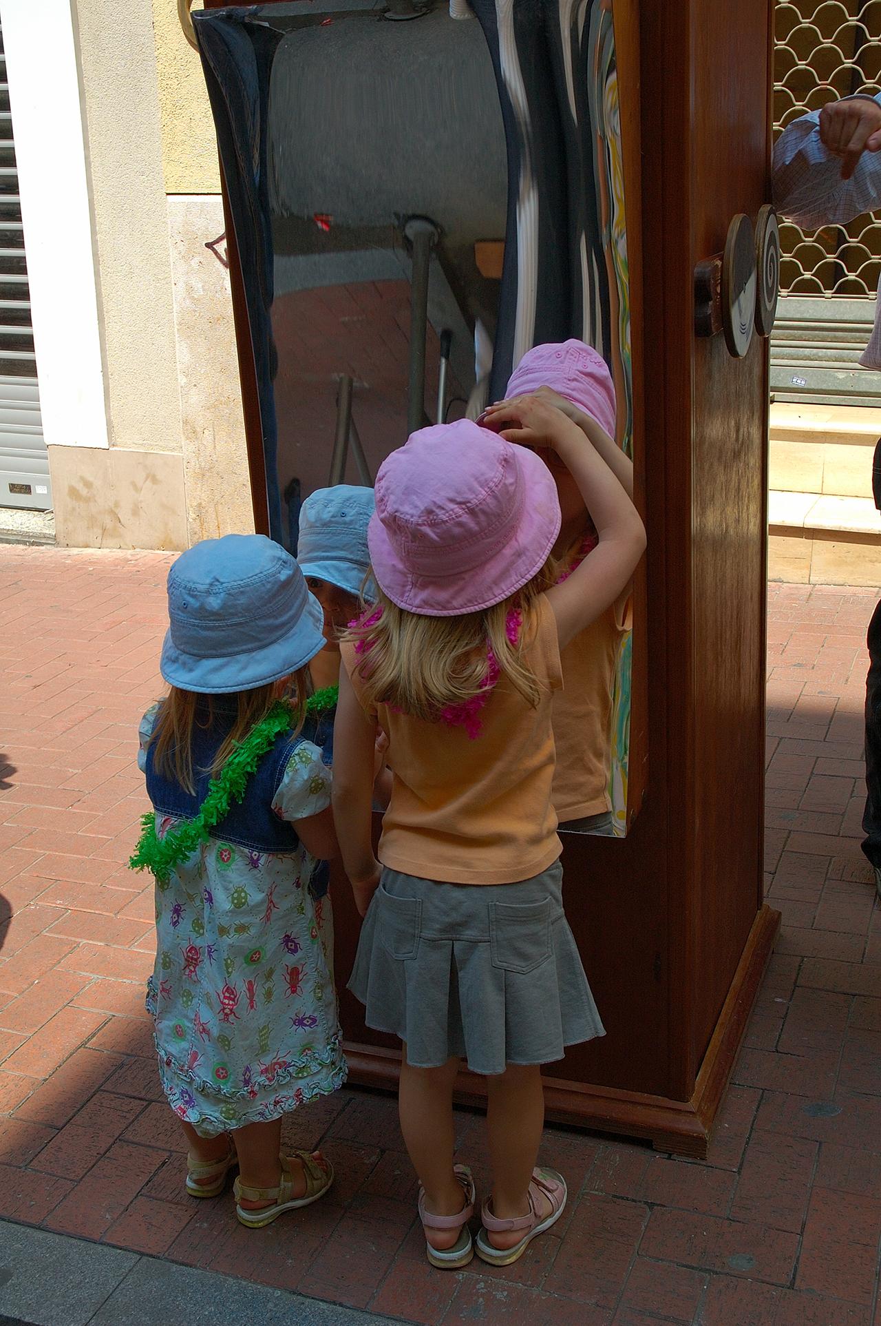 ogledalo i devojčice