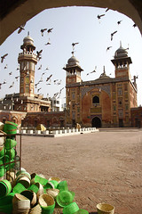 Masjid Wazir khan through arch-3 (Max Loxton) Tags: old pakistan classic beautiful beauty pakistani yani ppg lahore mughals yasirnisar towardspakistan beautifulpakistan pakistaniphotographers masjidwazirkhan pakistaniphotographer maxloxton revisitinglahore pakistaniat wwwtowardspakistancom