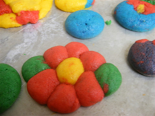 Rainbow Flower Cookie