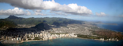 Honolulu, Waikiki Aerial IMG_3942_2 (Sinatra) Tags: city vacation mountains beach coral clouds marina hawaii sand waves waikiki oahu bluewater bluesky aerial snorkeling diamondhead honolulu hotels hanaumabay reef alamoana kokohead queensbeach kalakauaavenue kuhiobeachpark relaxingvacation kapahuluavenue