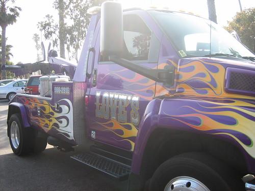 pretty tow truck