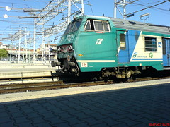 Treno a Firenze Rifredi (zombo78) Tags: italy train florence italia railway tuscany firenze locomotive safe toscana itali  pendolari locomotiva pendolare  pendular stazion  pisanidoc