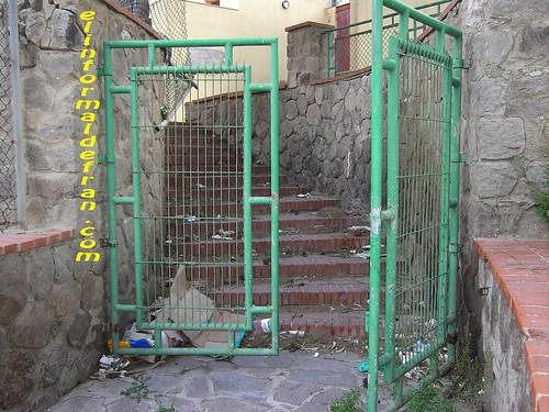 puerta entrada parque