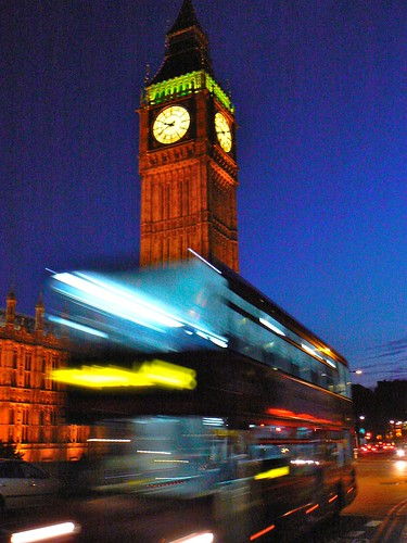 that big ben bus shot done handheld whilst walking