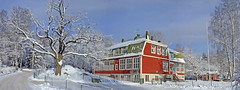 Tungelsta gamla skola (Steffe) Tags: road november school trees winter red panorama snow cold building oak crystals view sweden frosty tungelsta birch haninge yf winterinsweden
