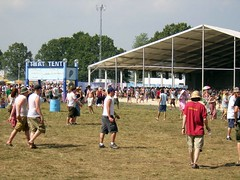 that tent bonnaroo 2004