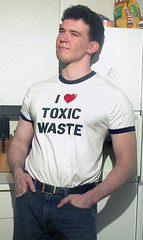 041129-2341-48 (Ryan Brenizer) Tags: portrait me shirt nikon ofme kitsch realgenius toxicwaste 4500 carpeicthus flickr:user=carpeicthus