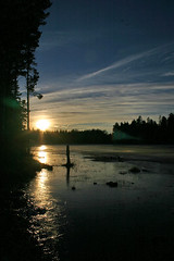 Sunset at Lake Rudan (Steffe) Tags: winter sunset sky sun lake ice water clouds landscape geotagged interestingness topv555 europe december view sweden surreal portfolio 2004yitl handen bestof2004 winterinsweden geo:lat=59162072 geo:lon=1812933 dailycityphotothemeday
