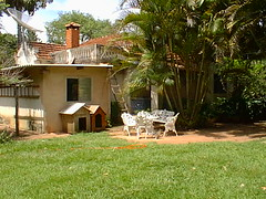 na frente da casa 2 (joaobambu) Tags: 1998 echaporã echapora brasil brazil family chacara