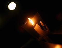 Place du 6 dcembre, 06-12-2004 (-Antoine-) Tags: 6 canada december candle montral quebec killing montreal flame qubec vigil flamme bougie dcembre polytechnique tuerie sexism sexisme antoinerouleau