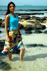 Bhumika Chawla (Cap Malheureux, Ile Maurice) (indeepdark) Tags: 2005 africa portrait movie interestingness shot actress bollywood mauritius hindu making kollywood afrique chawla tollywood capmalheureux bhumikachawla jaychiranjeeva bhumika bhoomika bhomika guddiya jaichiranjeeva vyjayanthimovies
