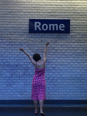 Bella ragazza (Tendance Flou) Tags: portrait urban paris rome me girl beautiful myself subway metro parisian ragazza urbanite bellaragazza tendanceflou parismonamour