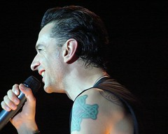 Dave Gahan, 12\03\05, Atlantic City, NJ, Borgata (bonobaltimore) Tags: depechemode borgata atlanticcitynj december32005 bonobaltimore michaelkurman mikekurman