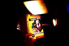 libri in treno (Alessandro Bonino) Tags: libri librintreno lettureintreno mickeyspillane tragicanotte lautoreditiuccider lire300 reading books train lomo lomofake garzanti dailycommute letture stoleggendo imreading