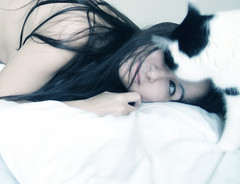 Unconditional (sole) Tags: portrait woman pet love topf25 cat figaro solea doubleportrait mivuoi