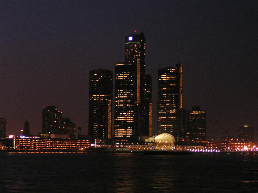 Detroit RenCen at night (MiRea) Tags: wallpaper favorite ontario canada topv111 gardens skyline