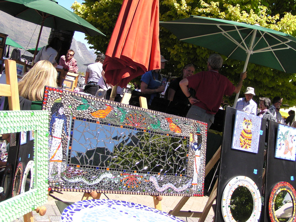 The mirror mosaic stall