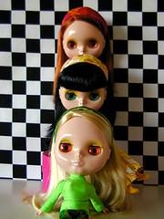 Traffic Light (Helena / Funny Bunny) Tags: doll group blythe jellybean olds sbl appleblossom lounginglovely powwowponcho funnybunny ingridhoney iloveyouitistrue coordinatedclothesset