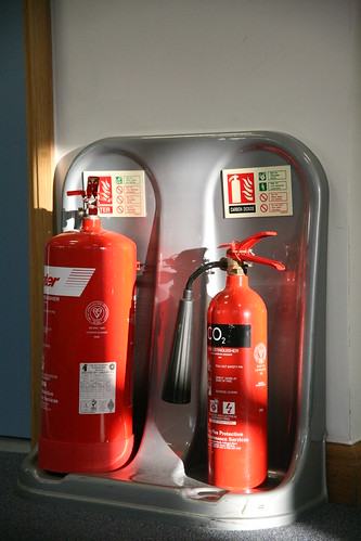 emergency preparedness, fire extinguisher, fire fighting, guidelines for fire fighting, how to use an extinguisher, types of fire