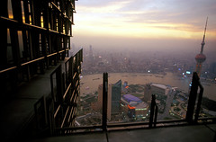 Shanghai (@Visual_Mind) Tags: china city travel sky urban tower skyline architecture skyscraper landscape asian pagoda arquitectura asia view shanghai panoramic hyatt civilization tall metropolitan jinmao height professionalphotographer cyberpunk pereira metropoli miguelpereira topphotoblog gloomyheart wwwmiguelpereiraes