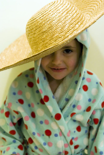 grace bighat hat silly robe 20d