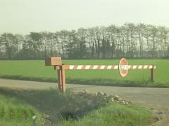 senso vietato (Nuez) Tags: lombardia campagna campi divieto
