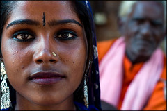 Kamala - Pushkar (Maciej Dakowicz) Tags: travel portrait woman india roma beauty face women close natural pushkar gypsy rajasthan tikka bindi