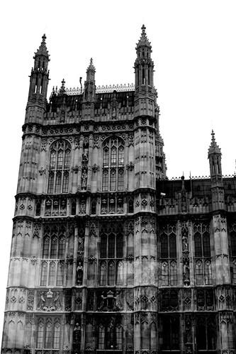 30 mars. A Londres, il pleut…