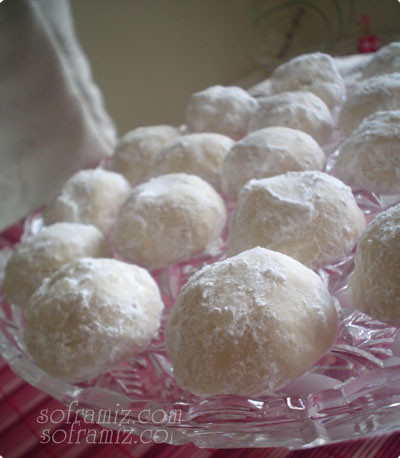 Italian Wedding Cookies Recipe I will be catering several weddings this