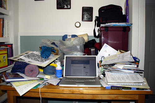 041307Messy_desk