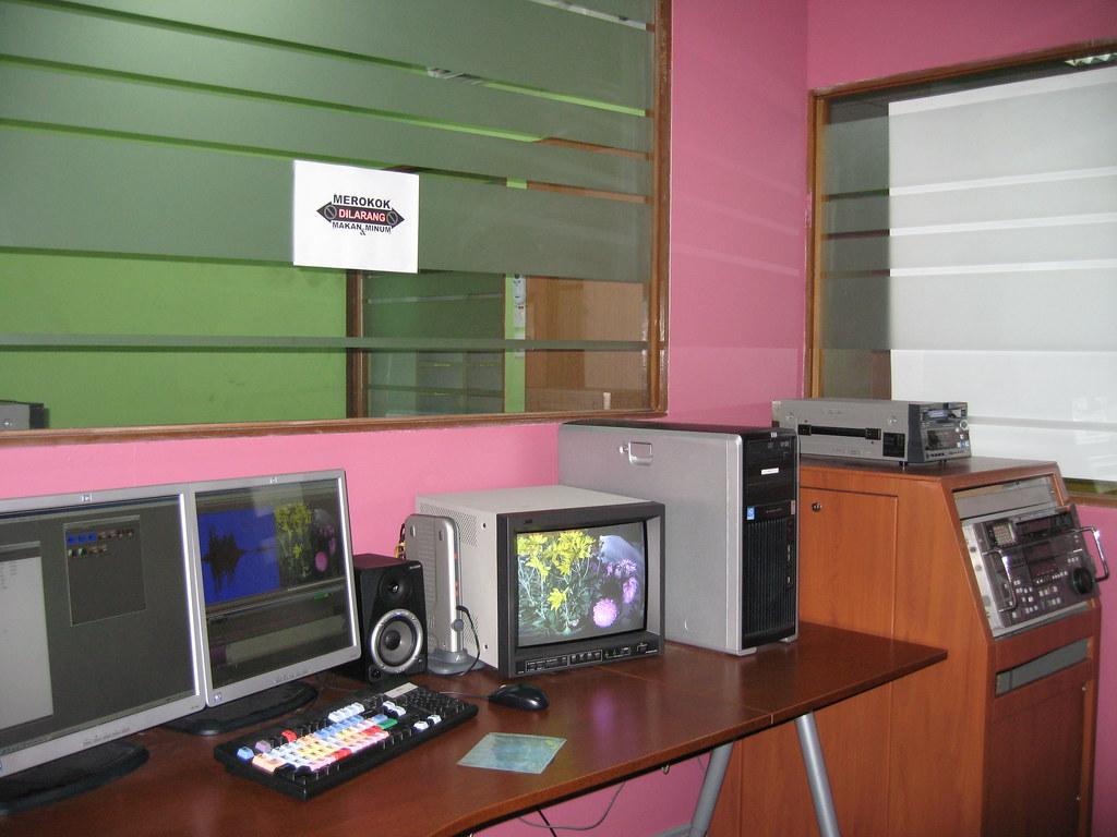 Avid editing suite