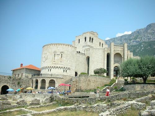 Kalaja e Krujes - Kruja's Castle Albania Summer 2006 por Improvvisazione.