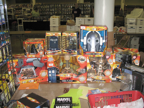 Columbus Toy Show 2007 - Holy crap! This dealer's got the new Who toys!