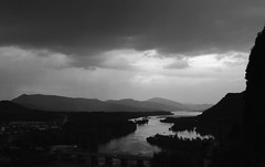 cloudy sunset (*jos*) Tags: sunset bw water clouds canon river 350d evening tramonto nuvole bn espana ainsa spagna 1224 pirineos cupo