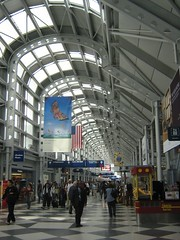 "o'hare corridor • <a style=""font-size:0.8em;"" href=""http://www.flickr.com/photos/70272381@N00/485645886/"" target=""_blank"">View on Flickr</a>"