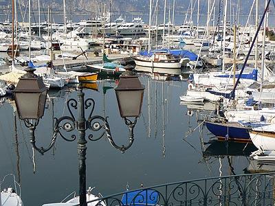 port et lampadaire.jpg
