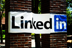 LinkedIn Outdoor Banner (2007-0032 0002) (tychay) Tags: california outdoor banner mountainview nikkor linkedin chlomo dxoopticspro nikond200 18200mmf3556gvr lunch20 upcoming:event=184799