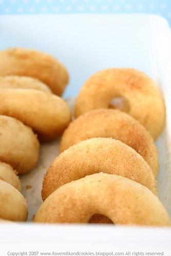 Baked Nutmeg Cinnamon Donuts