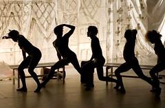 """Brasil move Berlim"" (sis Martins) Tags: berlin brasil brasilien tanz bewegung movimento dana berlim danacontempornea theaterhebelamufer menschenzermrbendemaschine revistabrazineberlim brasilmoveberlim brasilienbewegtberlin"