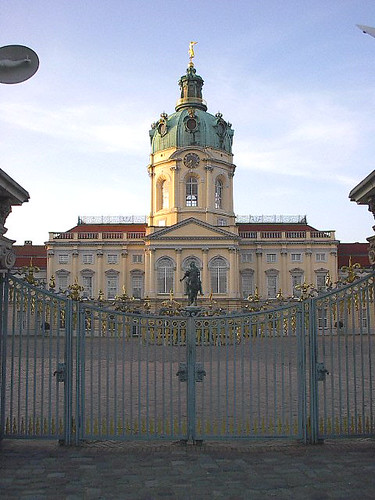 schloss charlottenburg. a giant palace in the middle of nowhere.