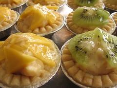 Caramel Cream Fruit Tarts