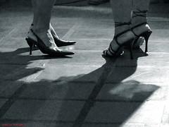 feminilidade (Sbeija®) Tags: pés benjamin sombras saltos