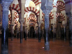 La Mezquita (Crdoba).- (ancama_99(toni)) Tags: pictures old city trip travel houses vacation urban espaa sun house holiday color building art history church arquitetura architecture buildings geotagged temple photography photo andaluca spain arquitectura edificios nikon espanha europa europe cityscape foto cross cathedral photos religion edificio picture catedral mosque photographic andalucia structure ciudades fotos temples cordoba coolpix architektur mezquita sur andalusia crdoba andalusien coolest espagne architettura templo spanien spagna 2007 andalousie citys 1000views fotografa andaluz fotografas e2100 p1f1 holidaysvacanzeurlaub flickrphotoaward ancama99 barriodelajuderia