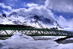 Columbia Icefield Footbridge (Thad Roan - Bridgepix) Tags: bridge snow canada mountains ice clouds landscape nationalpark jasper footbridge bridges pedestrian glacier alberta columbiaicefield 200705 bridgepixing bridgepix