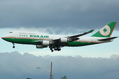 EVA Air B-16463 (b) (Drewski2112) Tags: seattle sea airport eva air international tacoma boeing airways airlines seatac 747 747400 744 ksea b16463