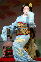 F U K U N A O: Kyo Odori (mboogiedown) Tags: travel color girl beautiful beauty japan asian japanese dance interestingness kyoto colorful asia traditional culture explore maiko geiko geisha kyo kimono obi tradition kansai cultural miyagawa miyagawacho hanamachi japanesebeauty kyomai interestingness123 i500 flickrsbest ilovekyoto hanakanzashi flowerandwillowworld karyukai fukunao discoverkyoto kyotodaisuki geikoofkyoto maikoofkyoto maikoofmiyagawacho japaneseidealbeauty odorispring